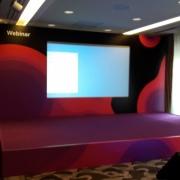 Сцена с экраном на мероприятия