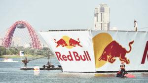 Модель из пенопласта red bull flugtag, производство декораций для мероприятий.